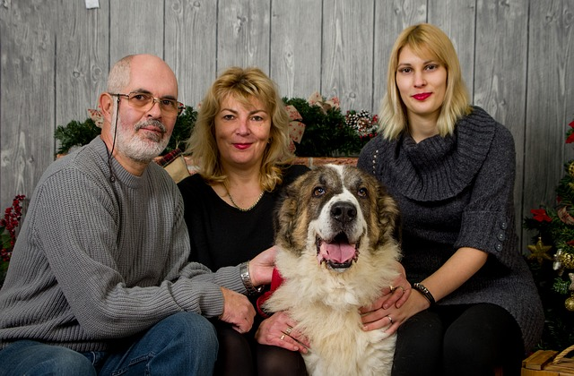 muž, dvě ženy, pes
