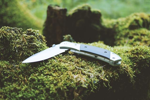 zavírací nůž