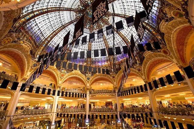 luxusní nákupní centrum